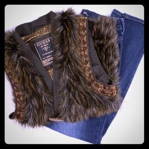 HAVE FUN IN FALL FUR!! GUESS FAUX FUR VEST.. XS